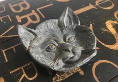 Vintage Cast Iron Metal Cat Face Coin Dish, Ashtray, Card Holder, cat lover, bob cat, boho, bohemian, home decor, kitty, feline, metal, meow