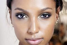 5 Makeup Tricks to Fake a Glow During the Winter