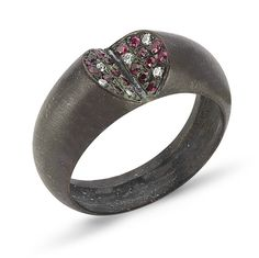 That's a pretty idea - I think the ring needs to be a little more dainty though; its a little chunky for my liking