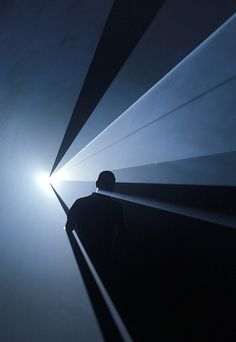 Anthony McCall, You and I Horizontal, 2006