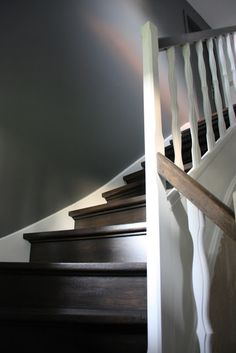 escalier repeint avec trois tons de gris r alisation cliente escaliers pinterest. Black Bedroom Furniture Sets. Home Design Ideas