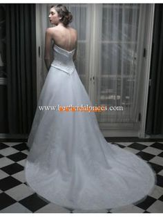 Vintage Style Strapless Princess Applique Organza Designer Wedding Dresses 2013