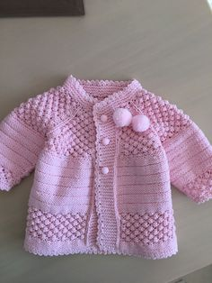 """pixeles """"Free baby cardigan pattern (plus heaps of variations)"""", """"This post was discovered by Zey"""" Baby Cardigan Knitting Pattern Free, Cardigan Pattern, Baby Knitting Patterns, Lace Knitting, Baby Patterns, Crochet Patterns, Knit Baby Sweaters, Knitted Baby Clothes, Knitted Baby Cardigan"""