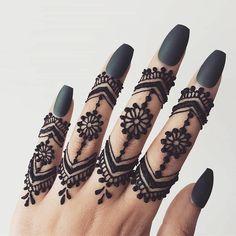 Mehndi Designs for Girls & Women. Beautiful Finger Mehndi design with tutorial for Eid Festival & Wedding. Collection of creative & unique henna desgins! Henna Hand Designs, Eid Mehndi Designs, Simple Mehndi Designs Fingers, Pretty Henna Designs, Modern Henna Designs, Henna Tattoo Designs Simple, Stylish Mehndi Designs, Mehndi Designs For Beginners, Mehndi Design Photos
