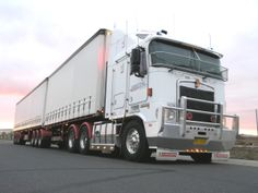 Scott S Refrigerated Freightways With Curtainside Trailers