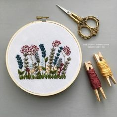 Hand Embroidery Floral Hoop Art by And Other Adventures Bordado a mano Floral Hoop Art by And Other Adventures Floral Embroidery Patterns, Hand Embroidery Flowers, Hand Embroidery Stitches, Embroidery Kits, Cross Stitch Embroidery, Needlework, Etsy, Diy Fashion, Mens Fashion