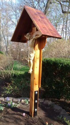 Catholic Crucifix, Roman Catholic, Bristol Garden, Western Red Cedar, A 17, Cemetery, Backyard, Landscape, Outdoor Decor