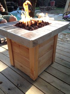 Thinking about having a fire pit in your backyard? Try these fire pit table ideas! Entertaining guests around your outdoor fire pit has never been so easy. Foyer Propane, Outdoor Propane Fire Pit, Gas Fire Pit Table, Outdoor Fire, Propane Fireplace, Outdoor Living, Fireplaces, Rustic Outdoor, Cool Fire Pits