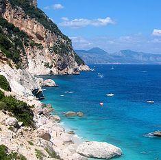 Cerdena - Las aguas cristalinas de la Costa Esmeralda.Italia