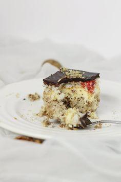 Tort cu ciocolata si visine Tiramisu, Mousse, Unt, Cheesecake, Deserts, Cookies, Dessert Ideas, Ethnic Recipes, Food