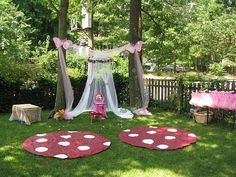 I want to do a fairy party for Lucy soooo bad!  This is adorable