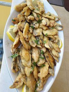 Kai, Mediterranean Diet Recipes, Greek Recipes, Aesthetic Food, Fish And Seafood, Seafood Recipes, Feta, Potato Salad, Food And Drink