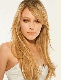 női+frizurák+hosszú+hajból+-+hosszú+női+frizura+kiengedve