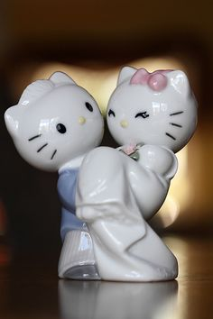 I Don't Think I Would, But within Hello Kitty Cake Topper Wedding Wedding Pins, Dream Wedding, Wedding Day, Wedding Stuff, Wedding Dreams, Wedding Cake Toppers, Wedding Cakes, Hello Kitty Wedding, Hello Kitty Cake