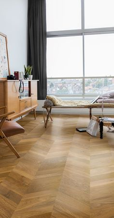 Portfolio of recent wood flooring projects by Jordan Andrews wood floors. Find some of our favourite recent projects with a range of engineered wood floors. Types Of Wood Flooring, Installing Hardwood Floors, Oak Laminate Flooring, Light Hardwood Floors, Real Wood Floors, Engineered Hardwood Flooring, Flooring Ideas, Timber Flooring, Diy Living Room Decor