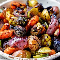 Easy Roasted Vegetables with Honey and Balsamic Syrup Recipe Side Dishes with brussels sprouts carrots small new potatoes shallots olive oil kosher salt ground black pepper balsamic reduction honey Balsamic Syrup Recipe, Balsamic Vinegar Recipes, Balsamic Glaze, Honey Recipes, Vegetable Dishes, Vegetable Recipes, Roasted Root Vegetables, Roasted Vegetables Thanksgiving, Roasted Onions