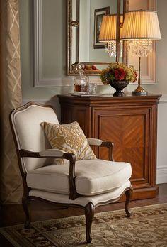 Classic Interior, Home Interior, Decor Interior Design, Interior Decorating, Home Living Room, Living Room Decor, Dining Room, Traditional House, Home Decor Inspiration