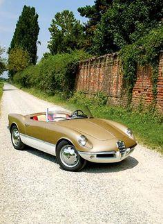 Alfa Romeo Giulietta Sprint Spider Prototipo 004 by Bertone, 1955.