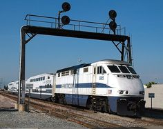 Metrolink 885 F59PHI  (EMD)