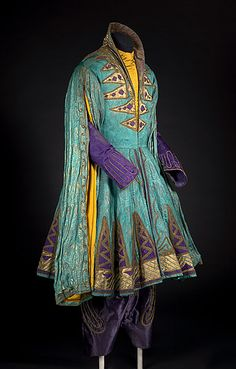 """Léon Bakst designed this costume for the character Shah Zeman in the 1910 ballet """"Scheherazade"""" by Ballets Russes. (Via the National Gallery of Australia)"""