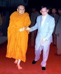 เครื่องบินราชพาหนะที่ในหลวงทรงประทับตั้งแต่อดีตจนถึงปัจจุบัน King Bhumipol, King Rama 9, King Of Kings, King Queen, King Thailand, King Photo, Bhumibol Adulyadej, Great King, Royalty