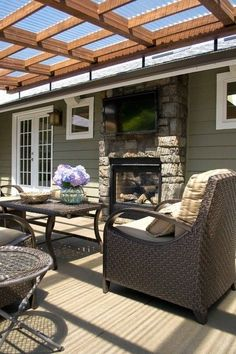 Maybe you would like to upgrade the complete back yard, or perhaps only the patio area. Your patio garden requires a floor finish. With many patio furniture alternatives to pick from you can readily make an outdoor space that is going to be well utilized. Patio Pergola, Patio Roof, Back Patio, Pergola Kits, Pergola Ideas, Small Patio, Diy Patio, Cheap Pergola, Deck Overhang Ideas