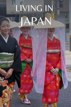 A foreigner explains what it's like living and working in Japan. #Japan