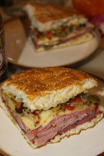New Orleans Muffuletta Sandwich with Olive Salad - Food - Sandwiches Creole Recipes, Cajun Recipes, Donut Recipes, Cooking Recipes, Haitian Recipes, Soup And Sandwich, Sandwiches For Dinner, Hot Sandwich Recipes, Picnic