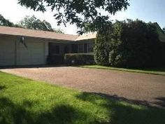 Another Suffolk County Home was SOLD by Lawrence 'Larry' And Sheila Agranoff. This time it's a 3 bedroom 2 bath Ranch style home in Stony Brook Long Island