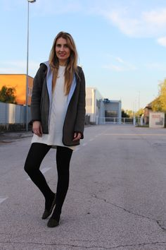 Trench Collection by Sonia Verardo: White winter knitted sweater dress OOTD