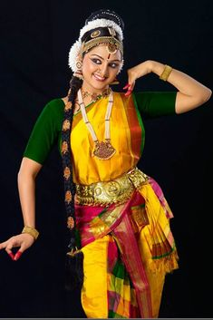 Latest photos of South actress Manju Warrier - Photo gallery of Manju Warrier including Manju Warrier latest movie stills, latest event premiere show photos and Images,Manju Warrier new photoshoot pictures and more pics Dance Images, Dance Pictures, Folk Dance, Dance Art, Indian Classical Dance, Dance Poses, Bollywood, Indian Celebrities, Dance Photography