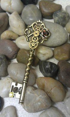 steampunk_rose_fantasy_key_pendant_by_starl33na-d55nnwy.jpg (576×960)