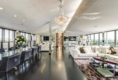 Celebrity Homes: Hugh Grant Former UK Penthouse - No, it's not in Notting Hill. However, this is one of the coolest penthouses in the UK, where Hugh Grant liv London Property, Property For Sale, Penthouse For Sale, Mansions Homes, Luxury Mansions, 3 Bedroom Apartment, Celebrity Houses, Pent House, House 2