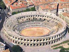 Les arènes de Nîmes - ARCHITECTURE