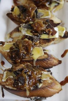 Crostini with Biltong, Camembert and Caramelised onions