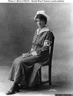WW1 nurses uniform