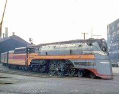 When the Hiawatha trains grew to the point where the Class As could no longer handle them, the Milwaukee Road ordered a batch of locomotives from ALCo Train Car, Train Tracks, Milwaukee Road, South Milwaukee, Old Trains, Vintage Trains, Railroad Pictures, Bonde, Train Times