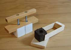 Make your own soil cube to start seeds, no pots needed, all you need is this tool and potting mix