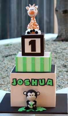 I love this cake for my lil man