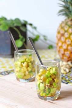 Une recette simple et raffinée qui sera parfaite en entrée. Dessert Recipes, Desserts, Healthy Tips, Pineapple, Favorite Recipes, Vegan, Table Decorations, Fruit, Vegetables
