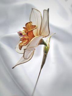 Resin Crafts, Resin Art, Paper Crafts, Nylon Flowers, Resin Flowers, Asian Hair Ornaments, Flower Crafts, Paper Mache, Metallica