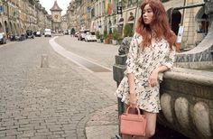 Lee Sung-kyung recently did a photo shoot in Switzerland for a local fashion magazine's April issue. The magazine released photos from the shoot via social media. Lee complemented the classical look of ancient Switzerland. Korean Actresses, Korean Actors, Actors & Actresses, Lee Sung Kyung Fashion, Bok Joo, Korean Entertainment, Korean Star, Retro Outfits, Asian Girl