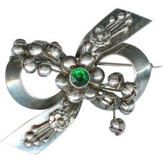 Sweet-Vintage-Hobe-Sterling-Silver-Green-Rhinestone-Lily-of-the-Valley-Brooch-Pi