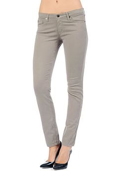 The perfect grey jean on April. The Sateen Stilt - Gosling | Chasing Life