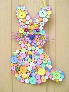Easter bunny ... Very cute idea to do with all those extra buttons that are laying around.