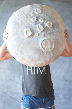 Giant Paper Mache Moon…Tape plastic bags to top of Cardboard circle to form a mound. Tape paper roll cut outs on top of circle. Paper Mache and paint white. Diy Paper, Paper Art, Paper Crafts, Paper Mache Diy, Paper Mache Crafts For Kids, Paper Mache Sculpture, Kids Crafts, Diy And Crafts, Arts And Crafts