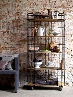trolley kast - Google zoeken Metal Furniture, Kitchen Furniture, Home Furniture, Industrial Shelving, Industrial Style, Kitchen Storage Cart, Kitchen Trolley, Freestanding Kitchen, Diy Inspiration