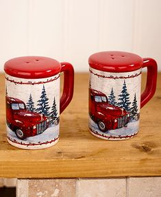 Red Pick Up Truck Salt and Pepper Shakers. Country Kitchen Salt and Pepper Shakers. Each item bears the nostalgic image of a red pickup truck making its way through snowy woods. Red Kitchen, Vintage Kitchen, Kitchen Rug, Kitchen Paint, Kitchen Layout, Salt Pepper Shakers, Salt And Pepper, Christmas Red Truck, Country Christmas