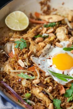 NASI GORENG (indonesian fried rice) ~~~ recipe gateway: this post's link AND http://www.saveur.com/article/Recipes/Classic-Indonesian-Fried-Rice AND http://www.daringgourmet.com/2013/06/14/nasi-goreng-indonesian-fried-rice/ [Indonesia] [vikalinka] [saveur] [daringgourmet]