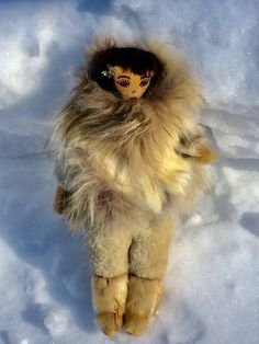 Inuit Eskimo Yupik Collectible Vintage Art Doll with beads and fur. Beaded features, hair, about by MANITOUARTS on Etsy Alaskan Brown Bear, Inuit Art, Turquoise Glass, Vintage Flowers, Vintage Art, Art Dolls, Owl, Bird, Handmade
